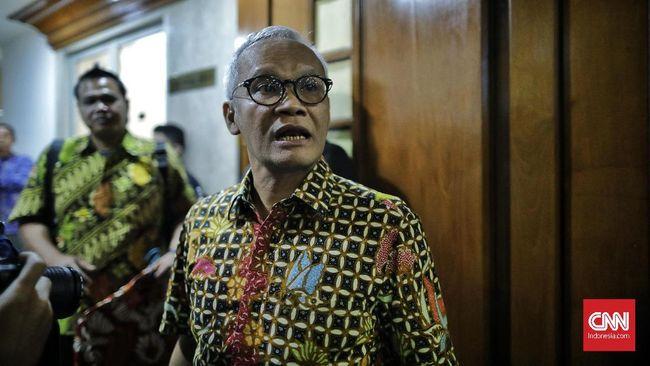 Wakil Ketua Komisi VI DPR dari Fraksi PDIP Aria Bima mengatakan pemerintah tak bisa menutup berbagai sektor ekonomi begitu saja saat PSBB diterapkan.