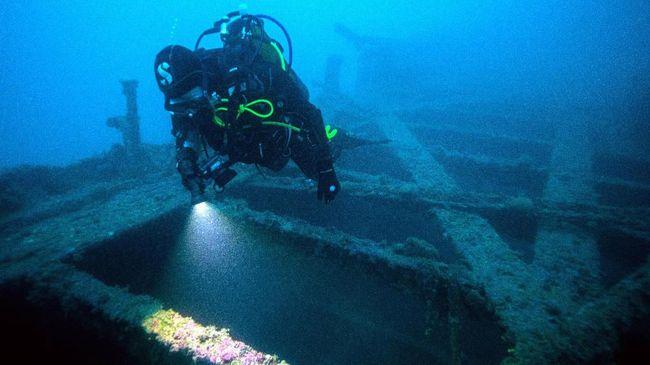 Arkeolog Institut Antropologi dan Sejarah Nasional Meksiko (INAH) mengonfirmasi penemuan pertama kapal budak Suku Maya.