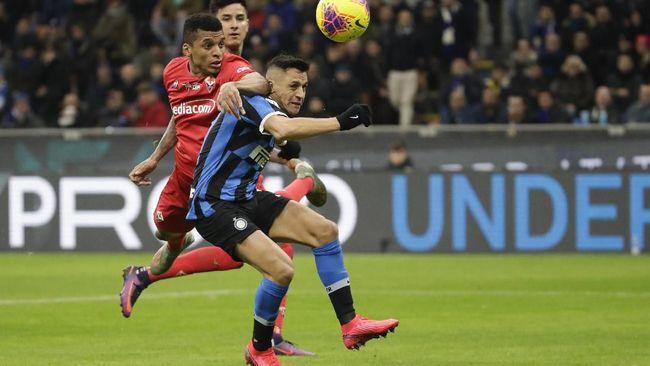 Alexis Sanchez diklaim tolak rujuk dengan Manchester United karena ingin kontrak permanen di Inter Milan.