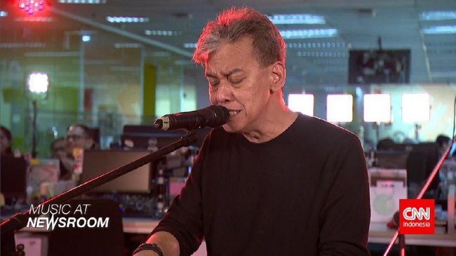 Music at Newsroom: Fariz RM - Sakura