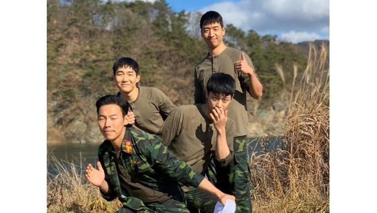 Menjadi sorotan dan kontroversi, ini tujuh momen keseruan para pemain drama Korea Crash Landing On You di balik layar. Seperi apa keseruan mereka?
