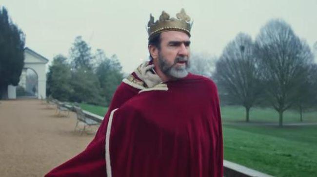 Dalam video terbaru lagu Liam Gallagher, Once, ia mengajak legenda Manchester United Eric Cantona. Padahal, Liam adalah penggemar Man City.