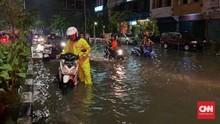 Usai Hujan Deras, Sejumlah Wilayah Surabaya Terendam Banjir