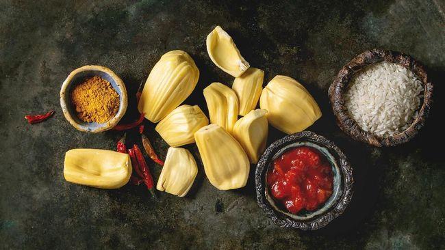 Untuk orang Indonesia, olahan nangka muda bukan hal yang baru, namun di negara lainnya, popularitasnya mulai meroket sebagai pengganti daging.