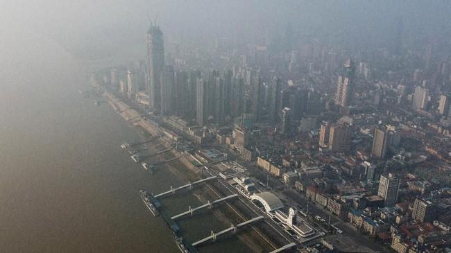 Foto aerial yang menampilkan lengangnya Wuhan, kota pertama ditemukannya infeksi virus corona yang kemudian menjadi wabah menakutkan dunia.
