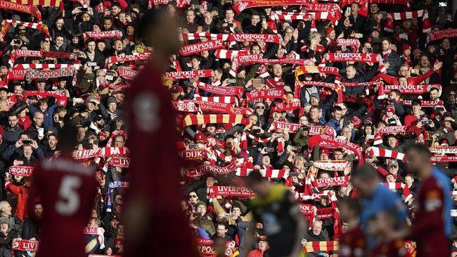 Seorang fan Liverpool mengaku dikarantina guna pencegahan penyebaran virus corona setelah transit di Bandara Milan Bergamo pada pekan lalu.