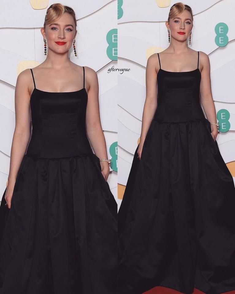 BAFTA 2020 selesai digelar pada Minggu (2/2) di London, berikut Insertlive rangkum 5 busana terbaik para aktris juga aktor di atas red carpet. Yuk, intip!