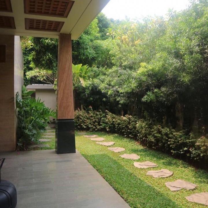 7 Foto Rumah Mewah Rp49 Miliar Milik Sarita di Pondok ...