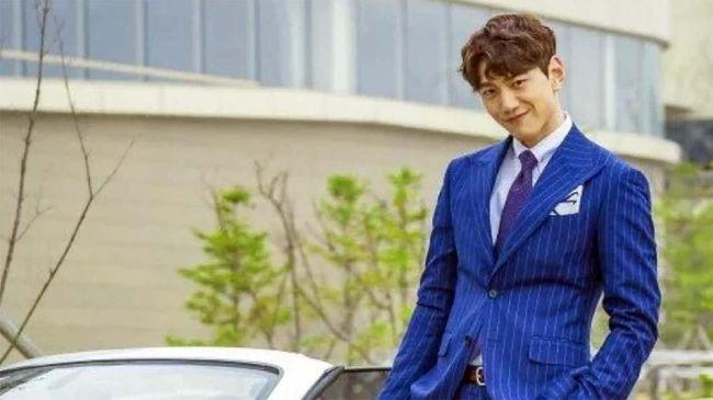 Aktor Bang Sung-joon mengakui bahwa dirinya sudah menjalani pernikahan sejak Desember 2018 lalu, bahkan sudah dikaruniai anak.