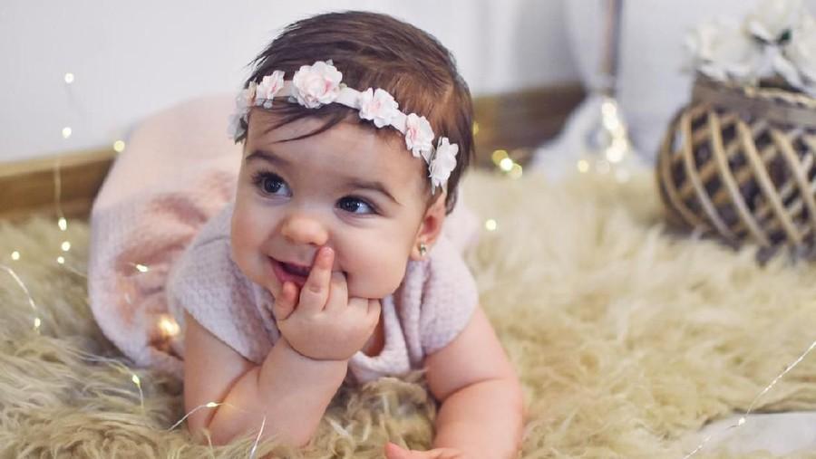 30 Nama Bayi Perempuan Terinspirasi dari Bulan Februari