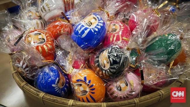 Tak hanya kucing maneki neko, Jepang juga punya boneka pembawa keberuntungan lain yakni daruma.