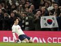 Fan Tottenham Ikuti Suporter Liverpool, Protes Kebijakan Klub