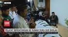 VIDEO: Pelayat Berdatangan ke Rumah Duka Gus Sholah