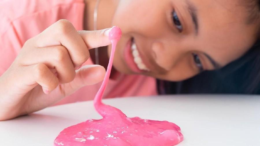Cara Membuat Slime dengan Mudah, Hanya Tiga Bahan