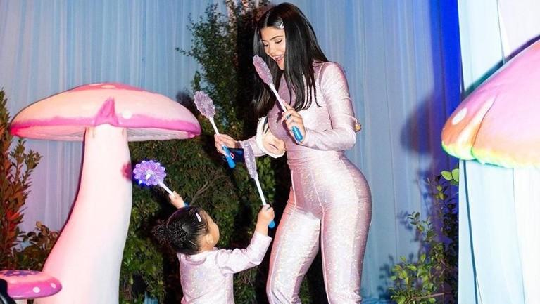 Kylie Jenner & Stormi Webster