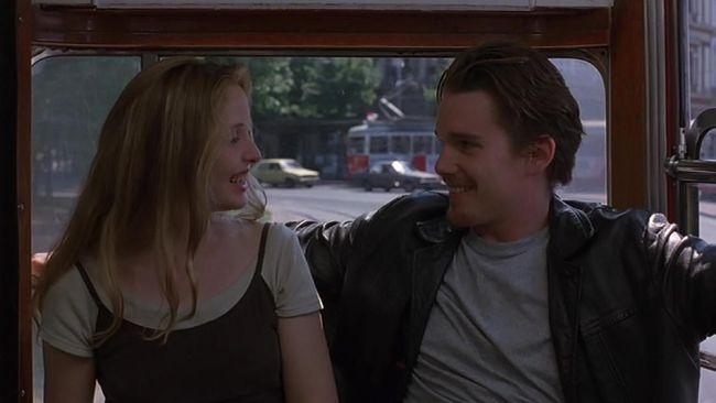 Bagi yang hendak melamar kekasih atau merayakan bulan madu bisa datang ke lokasi syuting film romantis ini.