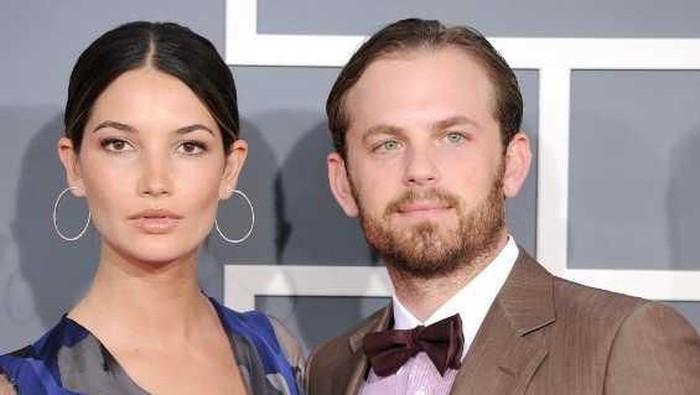 Inilah Para Pria Pasangan Victoria's Secret Angels
