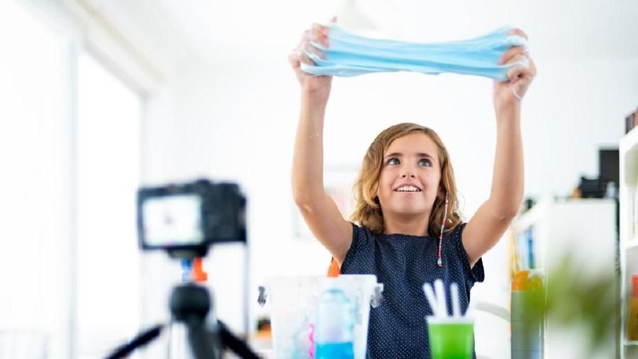 Cara Membuat Slime dengan Gom, Lebih Mudah dan Cepat Menggumpal