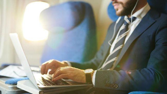 Berikut sejumlah tips aman membawa benda elektronik dalam penerbangan.