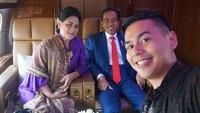 <p>Surya bahkan berkesempatan mengajarkan bahasa isyarat kepada Presiden Joko Widodo. (Foto: Instagram @suryasahetapy)</p>
