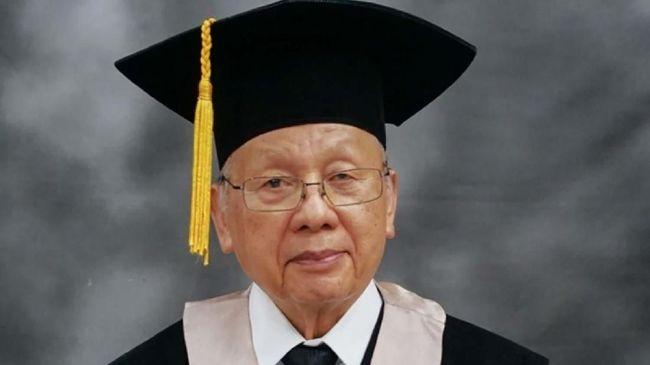 JB Sumarlin semasa hidup pernah dituding sebagai Mafia Berkley dan dijuluki Presiden Soeharto 'Si Kancil'.