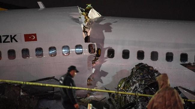 Pesawat Boeing 737 milik maskapai berbiaya murah Turki, Pegasus Airline tergelincir di landasan pacu pada Rabu (5/2).