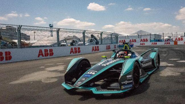 Pemerintah Provinsi DKI Jakarta memastikan bakal mengkaji kembali lokasi penyelenggaraan balap Formula E.