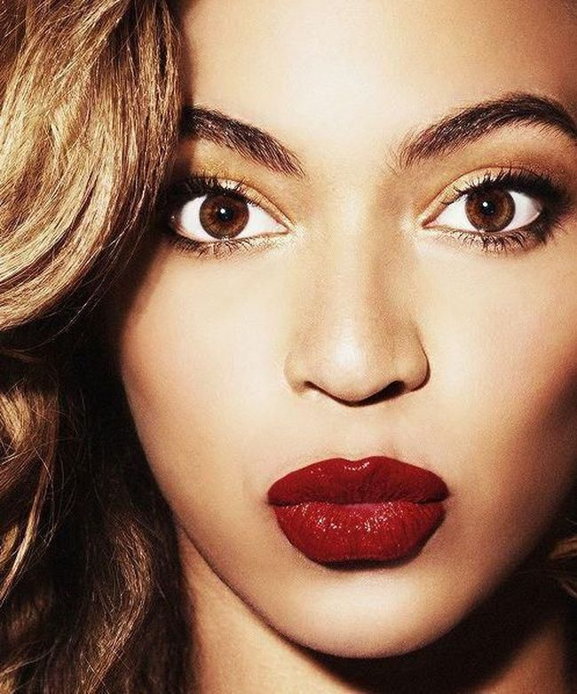 5 Cara Memilih Warna Lipstik yang Tepat untuk Bibir Hitam