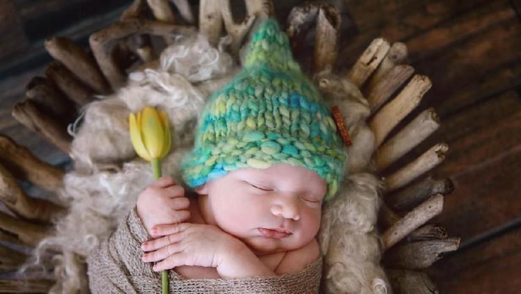 Bunda sedang mencari inspirasi nama yang pas untuk si kecil? Bagaimana dengan nama bayi bermakna sejuk? Makna ini bisa jadi salah satu pertimbangan nih, Bun.