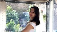 <p>Son Ye Jin saat mengenakan <em>off shoulderdress</em>. Terlihat cantik dan elegan ya, Bun? (Foto: Instagram @yejinhand)</p>