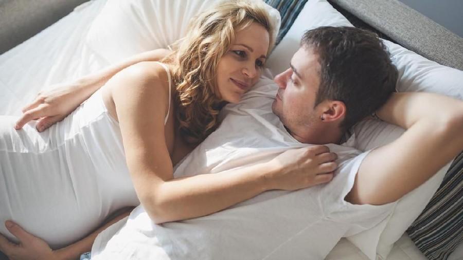 Ibu Hamil Berhubungan Seks, Apa Saja Larangannya?