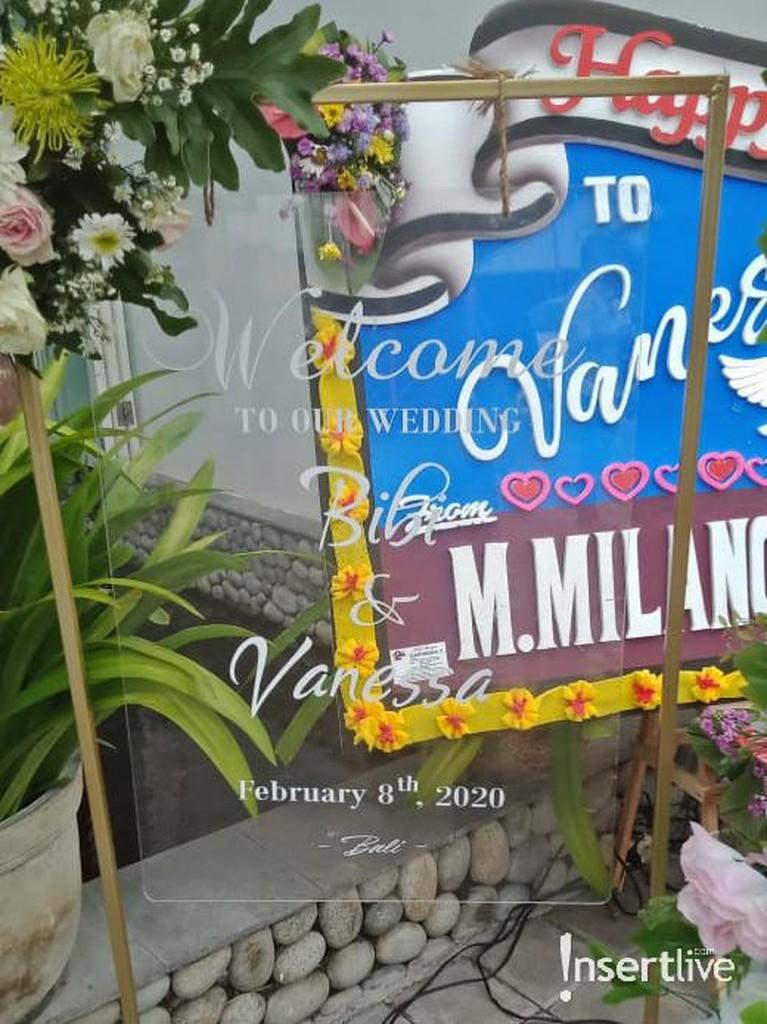 Acara resepsi pernikahan Vanessa Angel dan Bibi Ardiansyah yang digelar di Bali sudah dimulai. Intip keseruannya yuk!