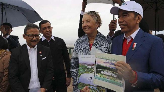Presiden Jokowi terbang ke Australia untuk mempelajari tata kota Canberra sebagai bahan perbandingan untuk ibu kota baru Indonesia.