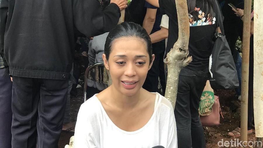 5 Perkembangan Kasus Kematian Anak Karen Idol, Makam Dibongkar dan Autopsi