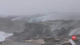 VIDEO: Melihat Air Terjun Terbalik di Australia