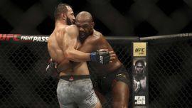 Jon Jones Habis-habisan Hina Adesanya di UFC 259