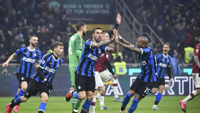 Inter Milan berhasil menyalip posisi Juventus di posisi puncak klasemen Liga Italia pekan ke-23.
