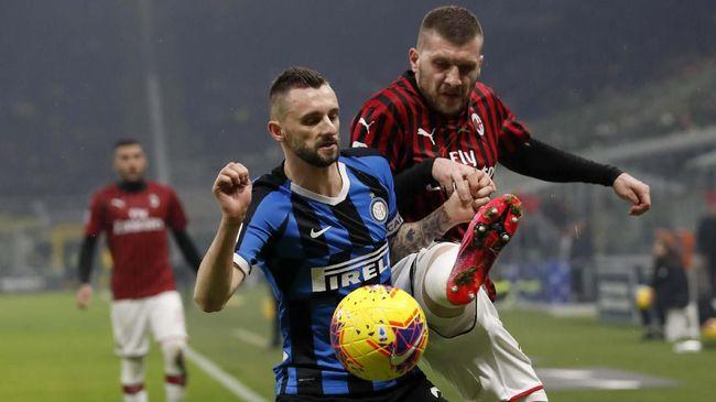 Berikut prediksi susunan pemain AC Milan vs Inter Milan pada lanjutan Liga Italia yang digelar di San Siro, Minggu (21/2).