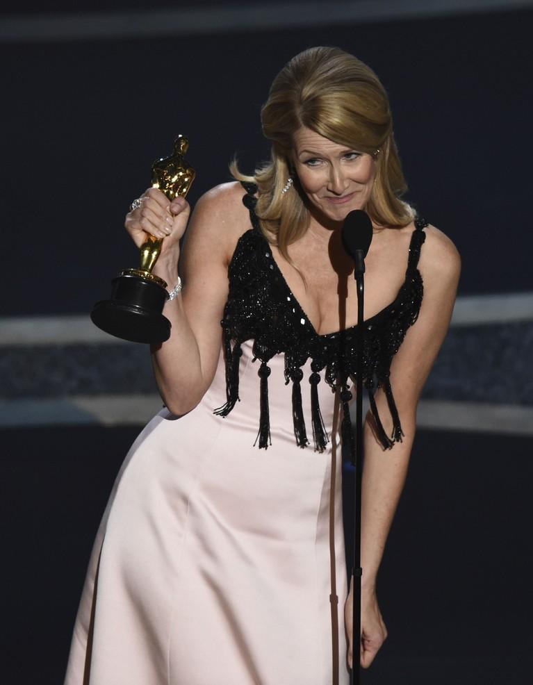 Berikut ini 7 busana terburuk di karpet merah perhelatan Oscar 2020 yang berlangsung di Dolby Theatre, Los Angeles, Hollywood pada Minggu (9/2) waktu setempat.