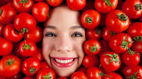 5 Manfaat Tomat Untuk Obat Kecantikan Wajah