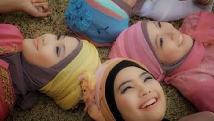 Tips Menjaga Kulit Kepala Tetap Sehat Dengan Hijab