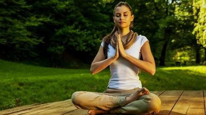 Gerakan Yoga ini Bisa Buat Wanita Awet Muda