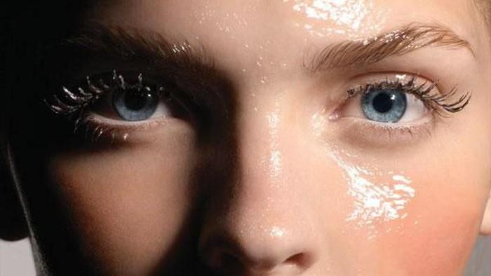Pemilik Kulit Berminyak Harus Tahu Sebelum Gunakan Face Oil