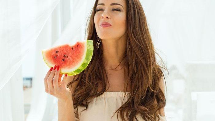Temukan 5 Khasiat Penting Konsumsi Semangka untuk Kecantikan dan Kesehatan