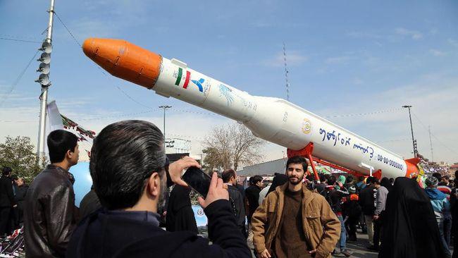 Embargo senjata Iran dari PBB berakhir, namun AS menyatakan bakal menggagalkan upaya Rusia dan China menjual senjata pada Iran.