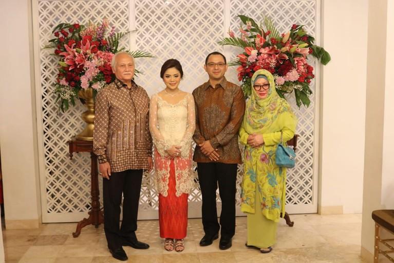 Calon istri dari Danny ternyata bukanlah orang biasa. Ia merupakan keponakan dari Andi Darussalam Tabussala, Mantan Ketua Komite Olahraga Nasional (KONI) di Sulawesi Selatan.
