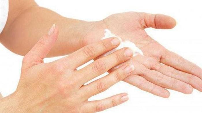 Tips Agar Terhindar dari Lotion Pemutih Badan yang Berbahaya