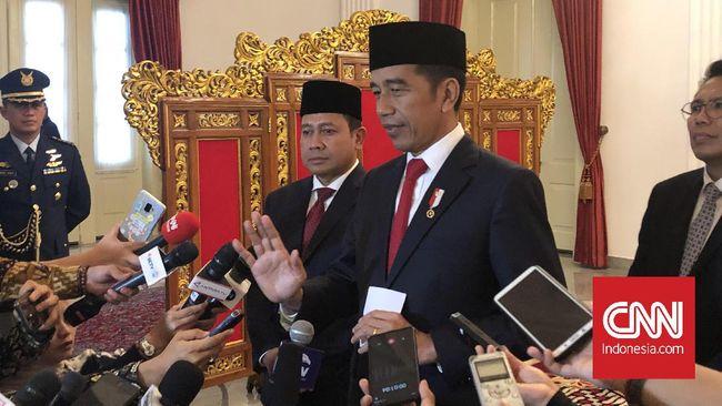 Presiden Joko Widodo berpotensi melanggar UUD 1945 jika dalam penyusunan RUU Cipta Lapangan Tenaga Kerja menyatakan PP bisa mengubah ketentuan UU.