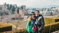"Sepertinya Nagita dan Raffi sangat terkesima dengan keindahan dan pesona Granada. ""<em>Sebuah Cerita Klasik Untuk Masa Depan. Tempat tempat indah dan Kenangan kenangan indah</em>,"" tulis keduanya. (Foto: Instagram @raffinagita1717)"