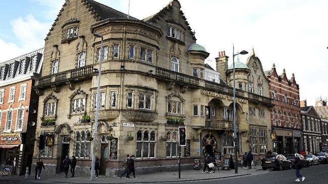 Kota pelabuhan dan kampung halaman The Beatles, Liverpool, dihapus dari Daftar Situs Warisan Dunia UNESCO pada tahun ini.